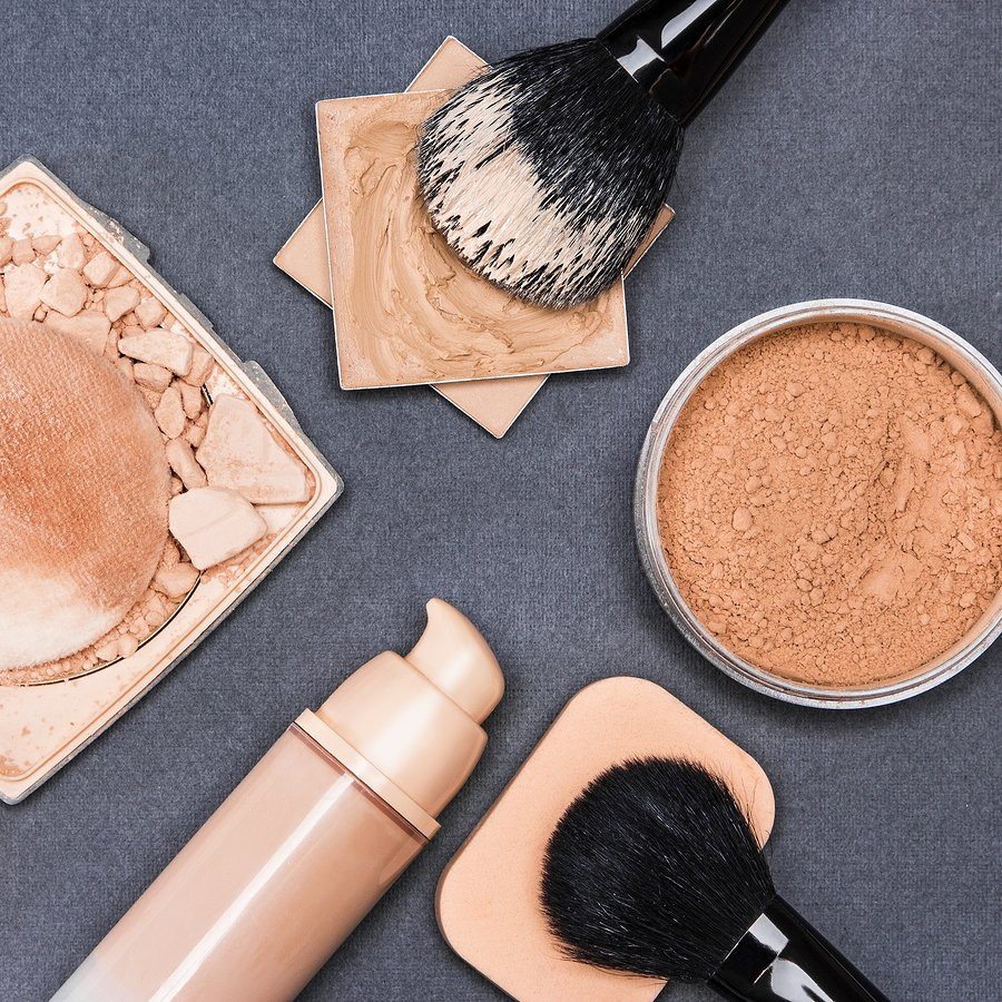 Keep bacteria out of your skin by regularly washing your makeup brushes.